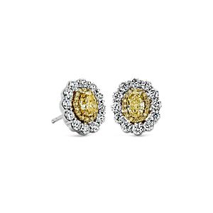 Aretes con diamantes amarillos  con doble halo de diamantes blancos y amarillos en oro amarillo y blanco de 18k (1 1/2 qt. total)