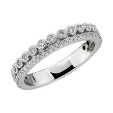 Anillo de bodas de diamantes en bisel con doble fila de pavé y detalles milgrain en oro blanco de 14 k (3/8 qt. total)