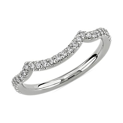 14k 白金垂褶弧形结婚戒指(1/5 克拉总重量)