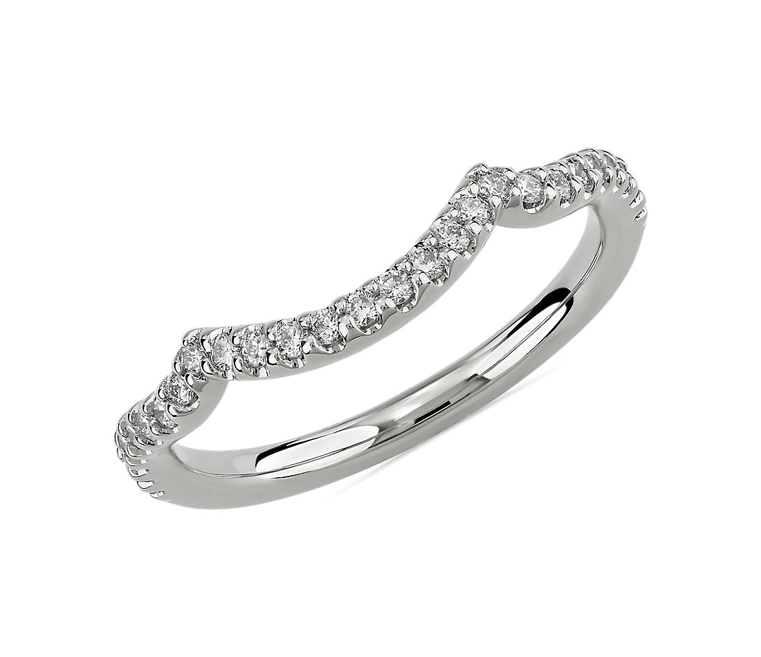 Draped Curved Wedding Ring in 14k White Gold (1/5 ct. tw.)