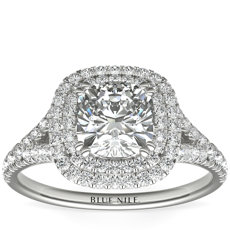 Anillo de compromiso con doble halo de diamantes en forma de cojín en oro blanco de 18 k (1/2 qt. total)
