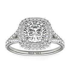 18k 白金垫形切割光环钻石订婚戒指(1/2 克拉总重量)