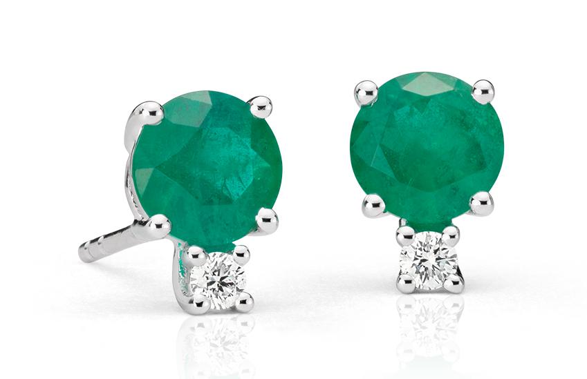 Aretes de diamante y esmeralda en oro blanco de 18 k (5mm)