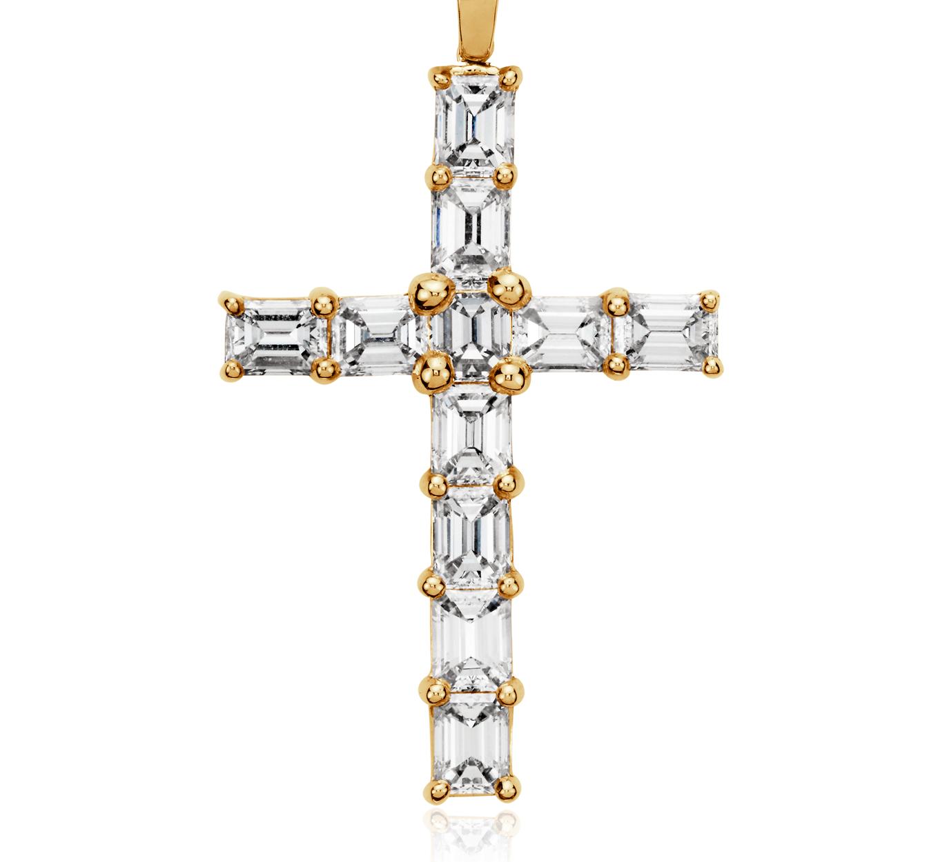 Colgante de cruz con diamantes y talla esmeralda en oro amarillo de 18k (2 qt. total)