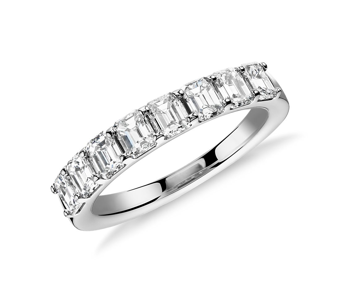 Classic Emerald Cut Diamond Ring in Platinum (1.20 ct tw.)