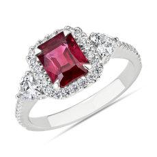 新款 18k 白金綠寶石形紅寶石與心形鑽石戒指