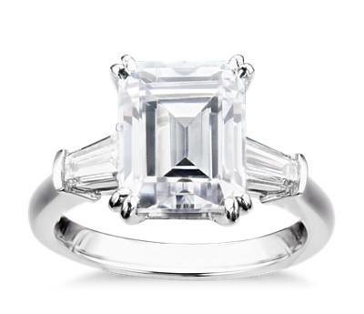 Blue Nile Studio Emerald Tapered Baguette Engagement Ring in Platinum (1/2 ct. tw.)