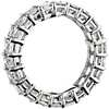 Anillo de eternidad de diamantes de talla esmeralda en platino (5 qt. total)