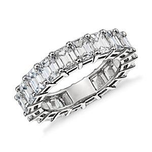 Bague d'éternité diamant taille émeraude en platine (6carats, poids total)