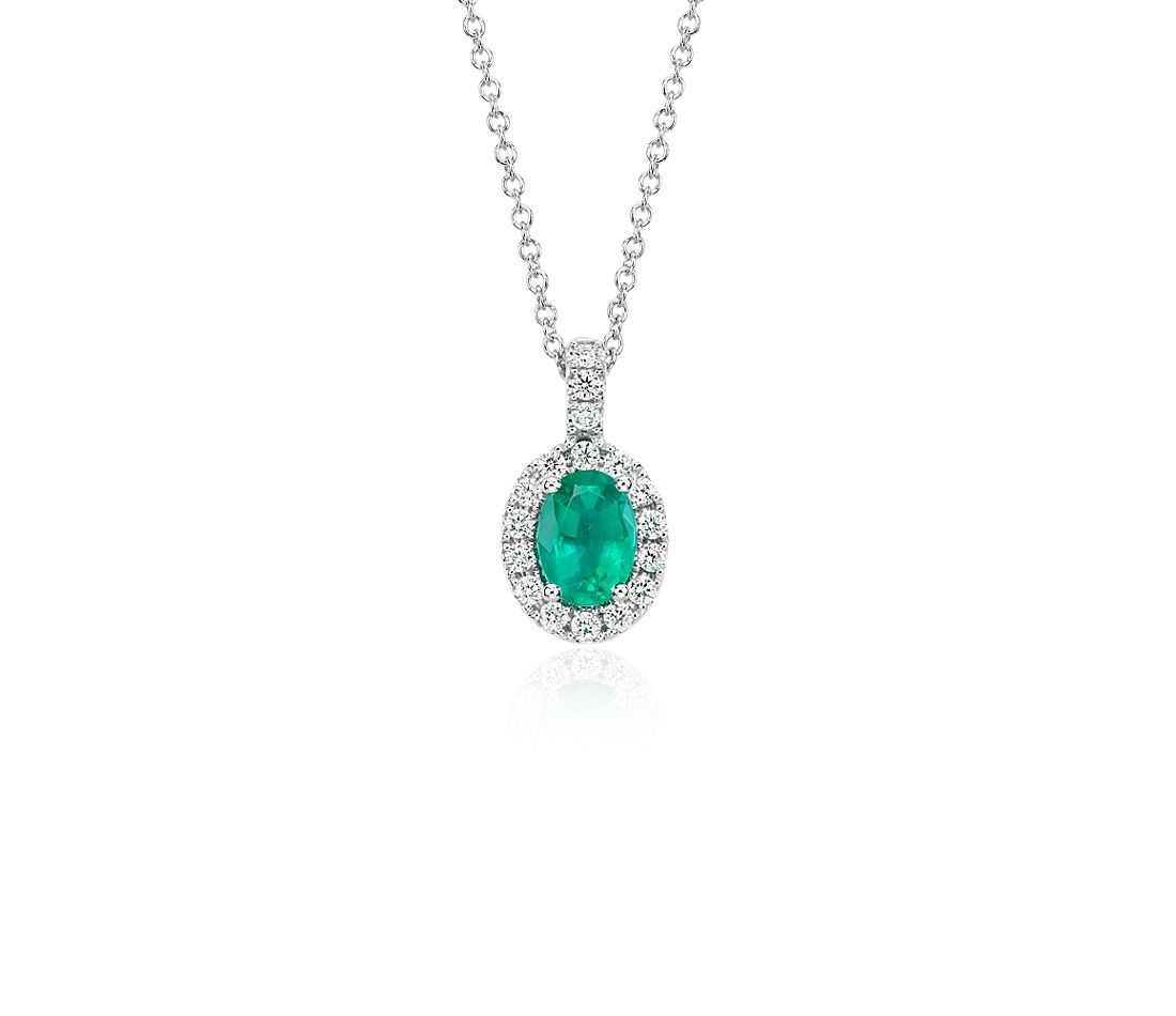 Oval Emerald and Pavé Diamond Pendant in 18k White Gold (7x5mm)