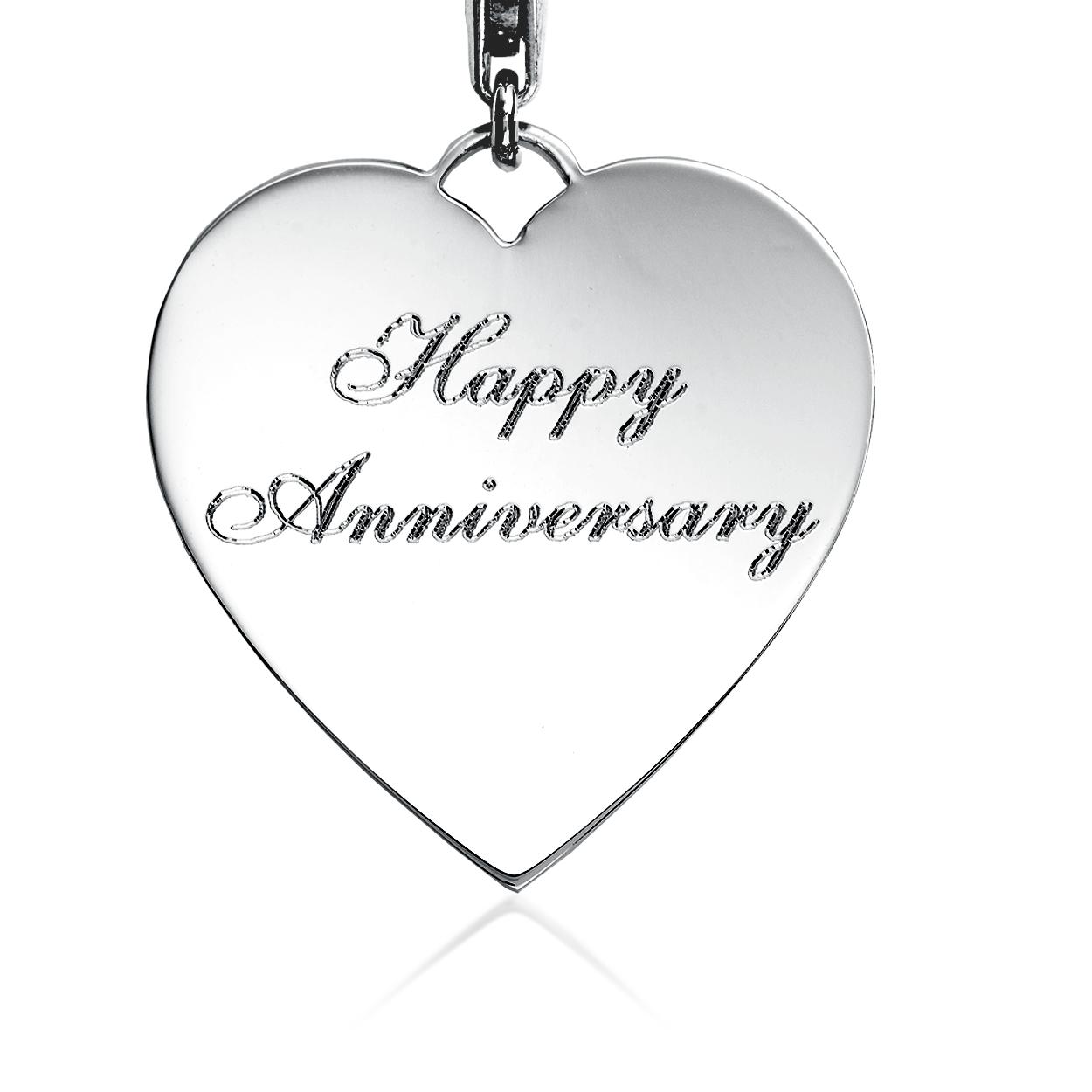 """Dije con forma de corazón con la frase """"Happy Anniversary"""" para grabar en plata de ley"""