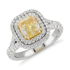Anillo de diamante de talla cojín de color amarillo fantasía en platino y oro amarillo de 18k