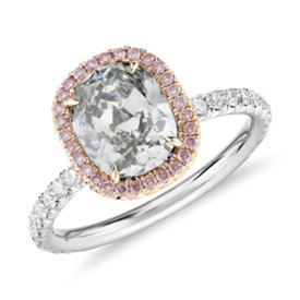 NOUVEAUTÉ - Fancy Light Grey-Green Cushion-Cut Halo Diamond Ring en platine et or rose (1,85 carats, poids total) 18 ct