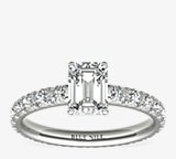 Blue Nile Studio 法式密釘永恆鑽石訂婚戒指