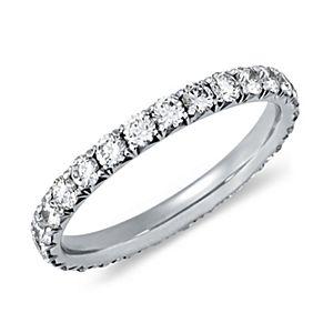 Anillo de eternidad con pavé de diamantes francés en platino