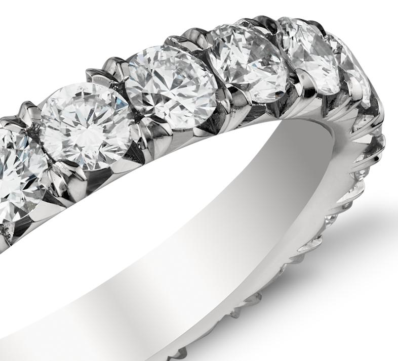 Bague d'éternité diamants sertis pavé français en platine (2carats, poids total)