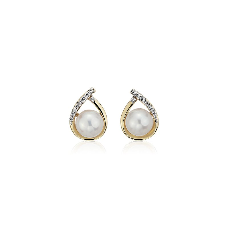 Vintage-Inspired Freshwater Cultured Pearl and Diamond Teardrop E