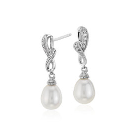 Pendants d'oreilles diamant et perle de culture d'eau douce en or blanc 14 carats (6,5 mm)
