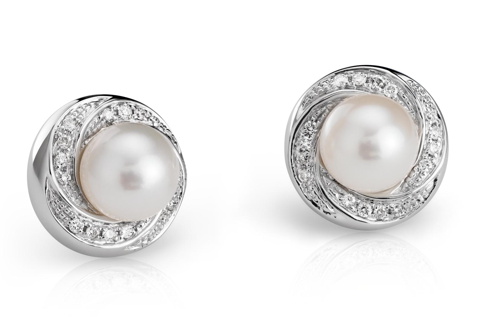 Aretes de diamante y perlas cultivadas de agua dulce en oro blanco de 14 k (7,5mm)