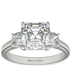 鉑金The Gallery Collection™ 墊形切割三石鑽石訂婚戒指(3/8 克拉總重量)