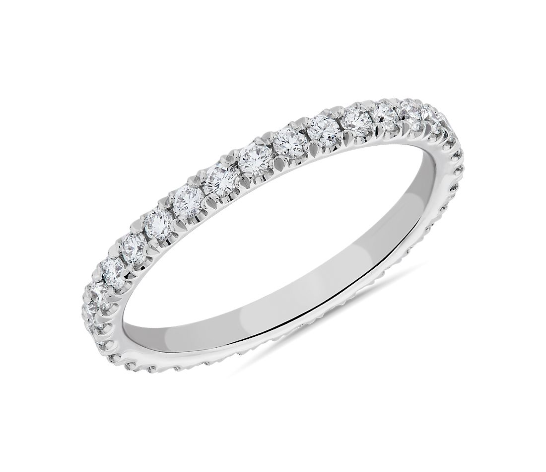 Anillo de eternidad con pavé de diamantes The Gallery Collection™ en platino (5/8 qt. total)