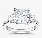 Gallery Collection™ 公主方形切割三石钻石订婚戒指