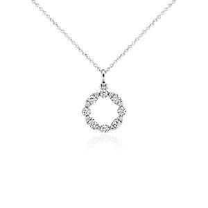 Colgante con diamante circular y forma de guirnalda en oro blanco de 14 k (1/4 qt. total)