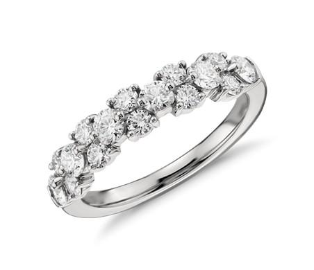 铂金花环钻石戒指<br>(1 克拉总重量)