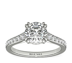 Graduated Double Claw Pavé Diamond Engagement Ring in Platinum (0.24 ct. tw.)