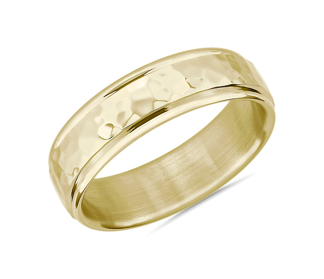 Hammered Inlay Wedding Band in 14k Yellow Gold (6.5mm)