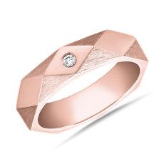 新款 18k 玫瑰金锤制菱形内圈圆弧形设计结婚戒指