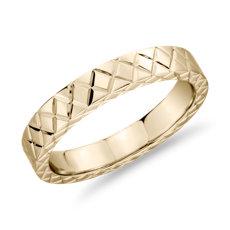 Alliance avec motif entrecroisé gravé à la main en or jaune 14carats (4mm)