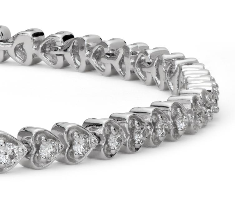 Brazalete de diamantes en forma de corazón en oro blanco de 18 k (1 qt. total)