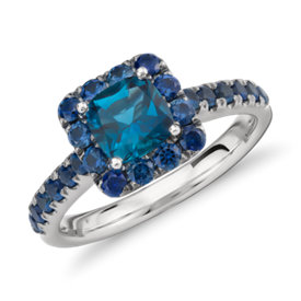 Bague halo en topaze bleue de Londres et saphir de Blue Nile Studio en or blanc 18 carats (6 mm)