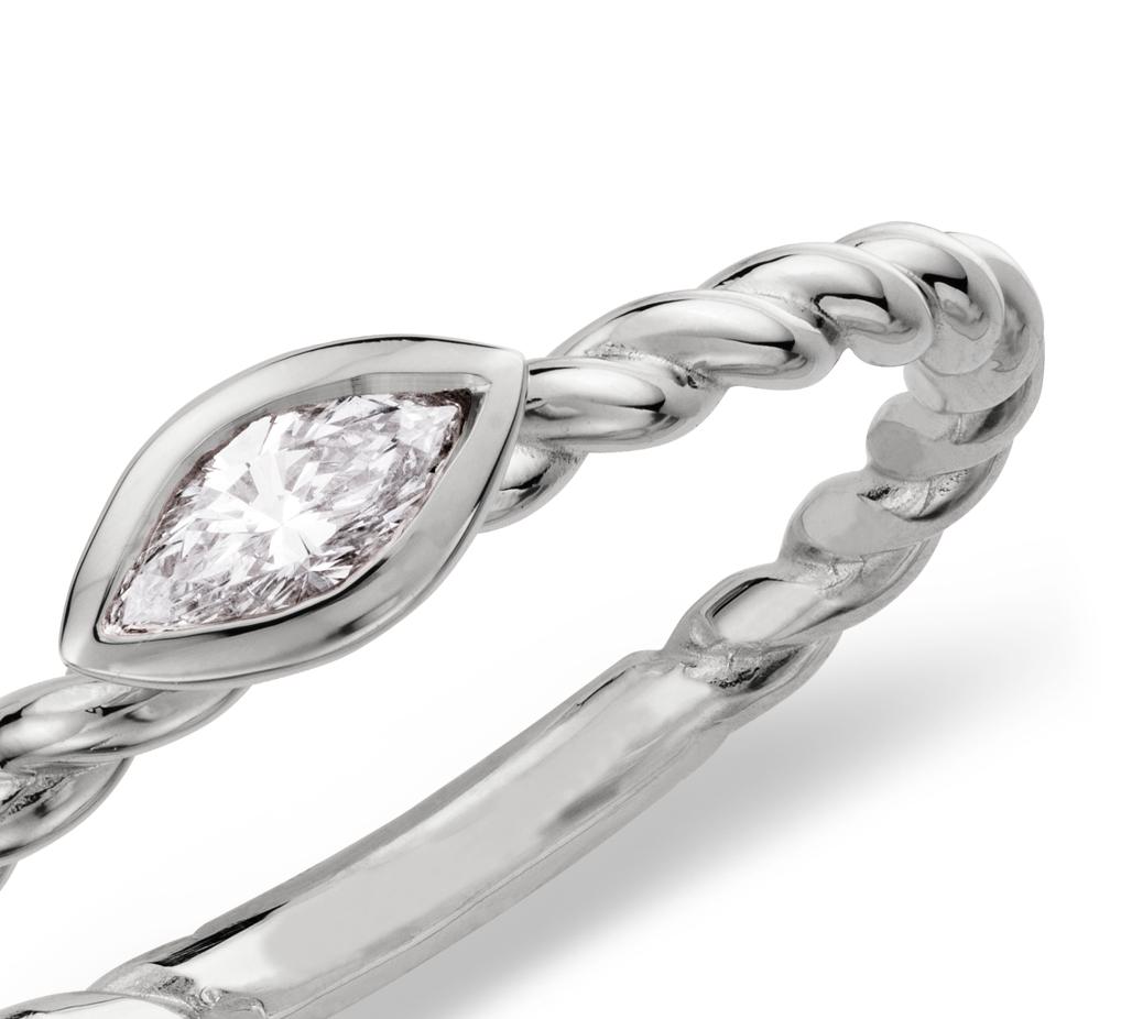 Bague torsadée en diamants taille marquise en or blanc 14carats (1/4carat, poids total)
