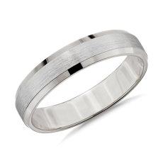 铂金哑光斜边结婚戒指(4.5毫米)