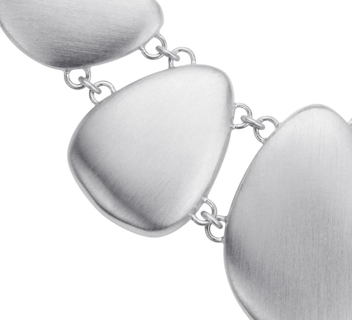 Matte Bib Pebble Necklace in Sterling Silver