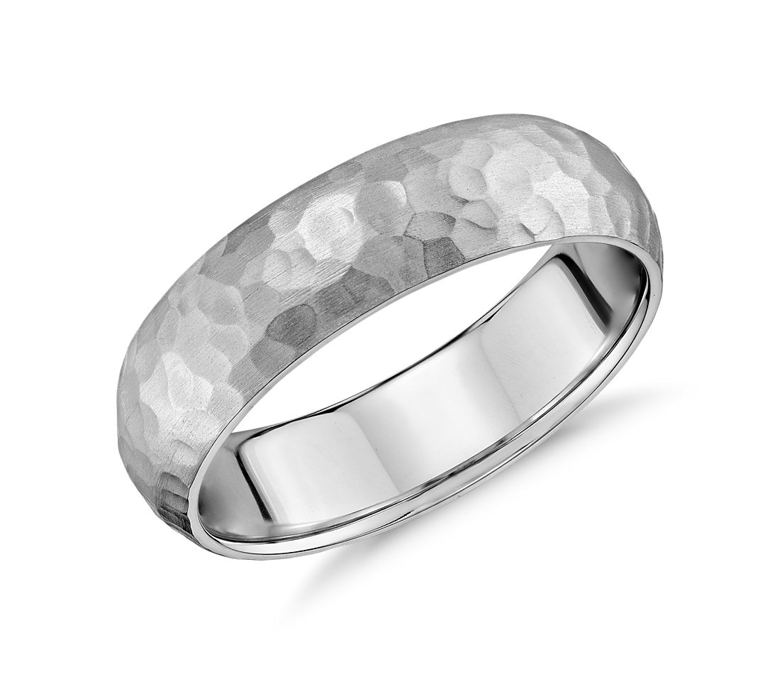 Alliance agréable à porter martelée matte en or blanc 14 carats (6 mm)