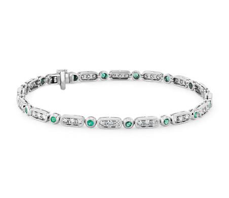 Brazalete de diamantes y esmeraldas con detalles milgrain en oro blanco de 14 k (2mm)