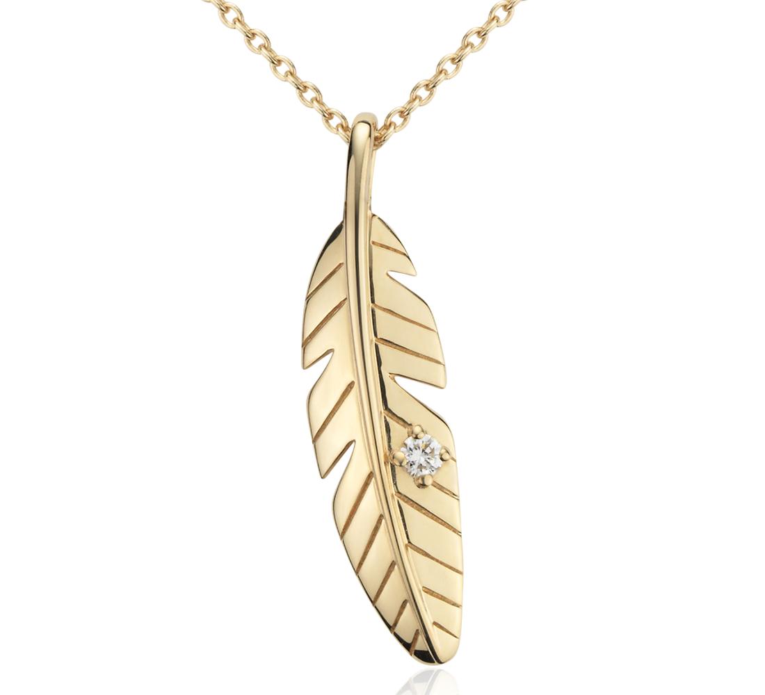 Colgante de diamantes en forma de pluma pequeña en oro amarillo de 14k