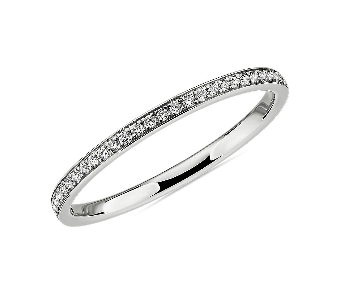 Alliance moderne en diamants sertis micropavé en or blanc 14 carats (1/10 carat, poids total)
