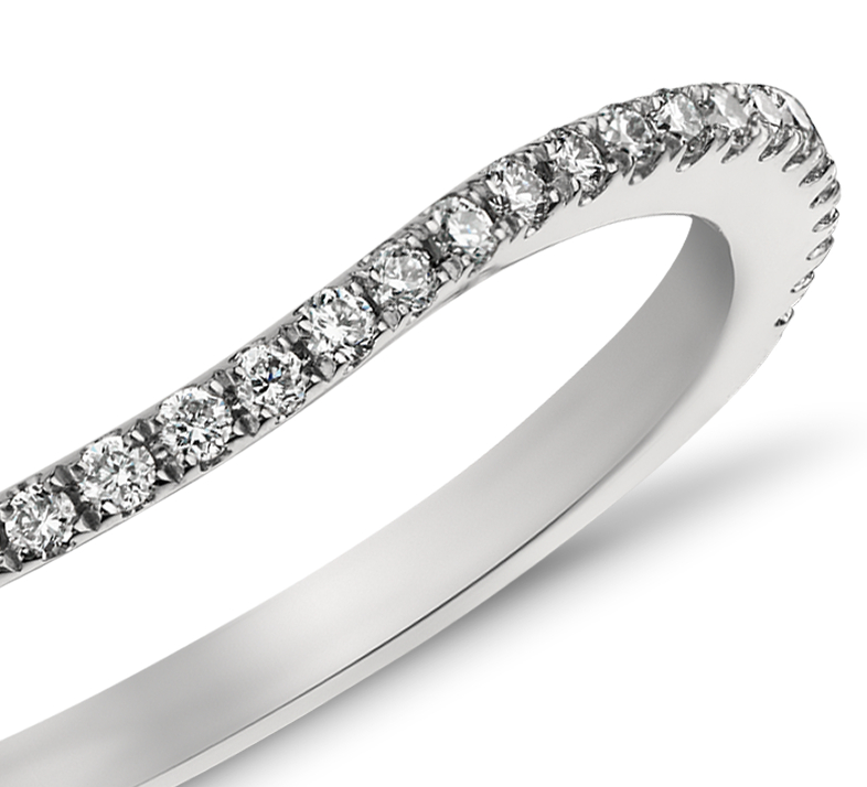 Bague incurvée en diamants sertis pavé Monique Lhuillier (1/5carat, poids total)