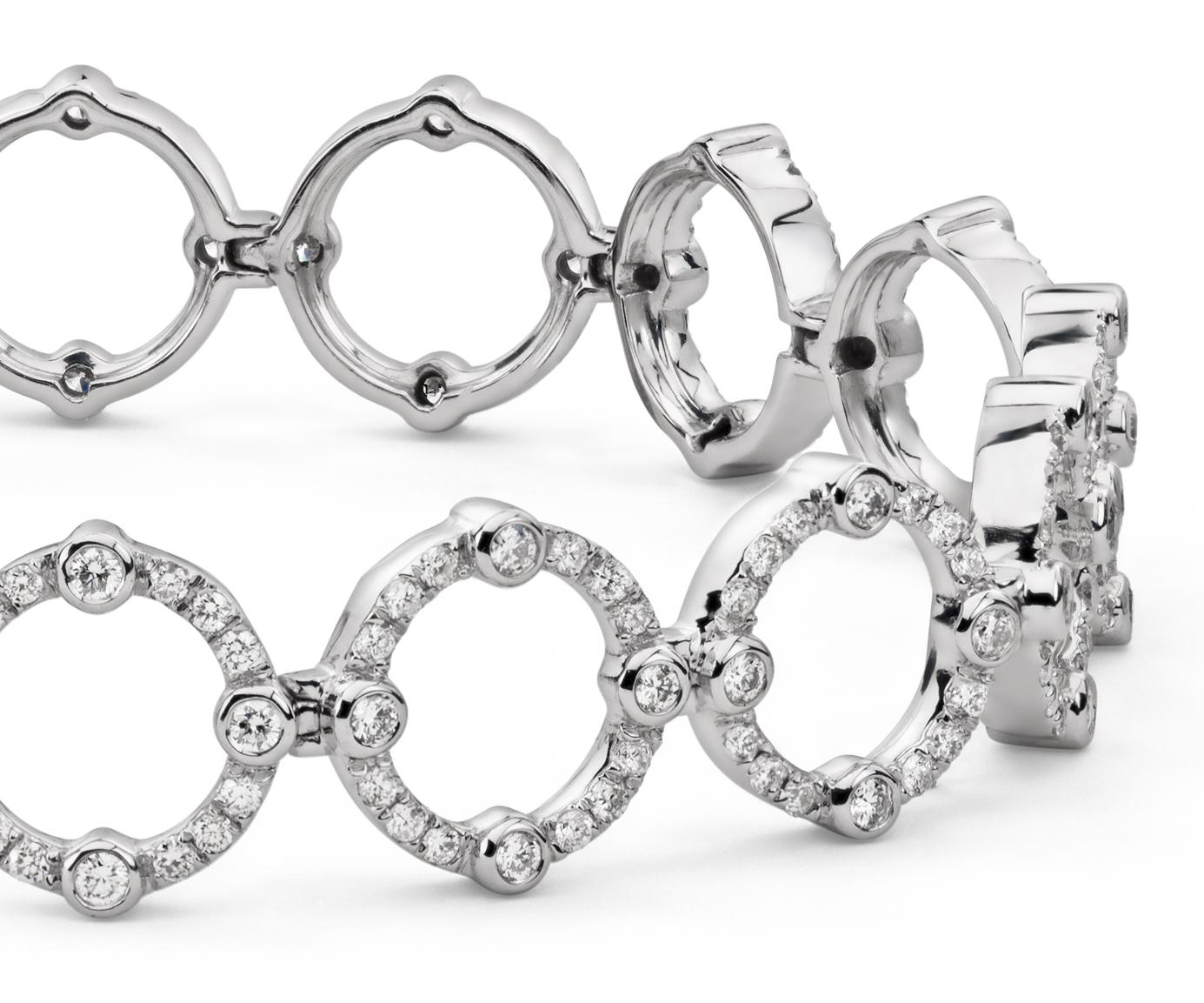 Brazalete de diamantes decorativo de Monique Lhuillier en oro blanco de 18 k (2 qt. total)