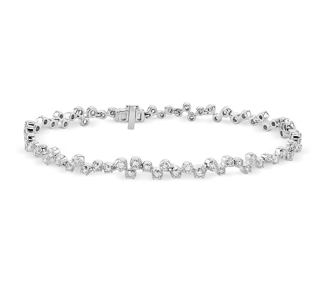 Bracelet cascade de diamants Monique Lhuillier en or blanc 18 carats (2 4/5 carats, poids total)