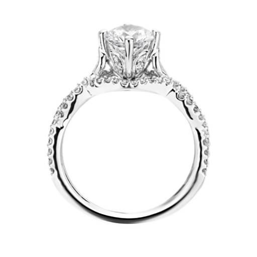 Monique Lhuillier 橫向扭紋鑽石訂婚戒指
