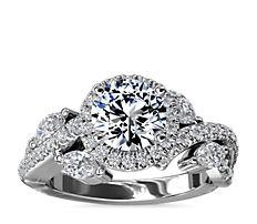 铂金 Monique Lhuillier 花卉光环钻石订婚戒指