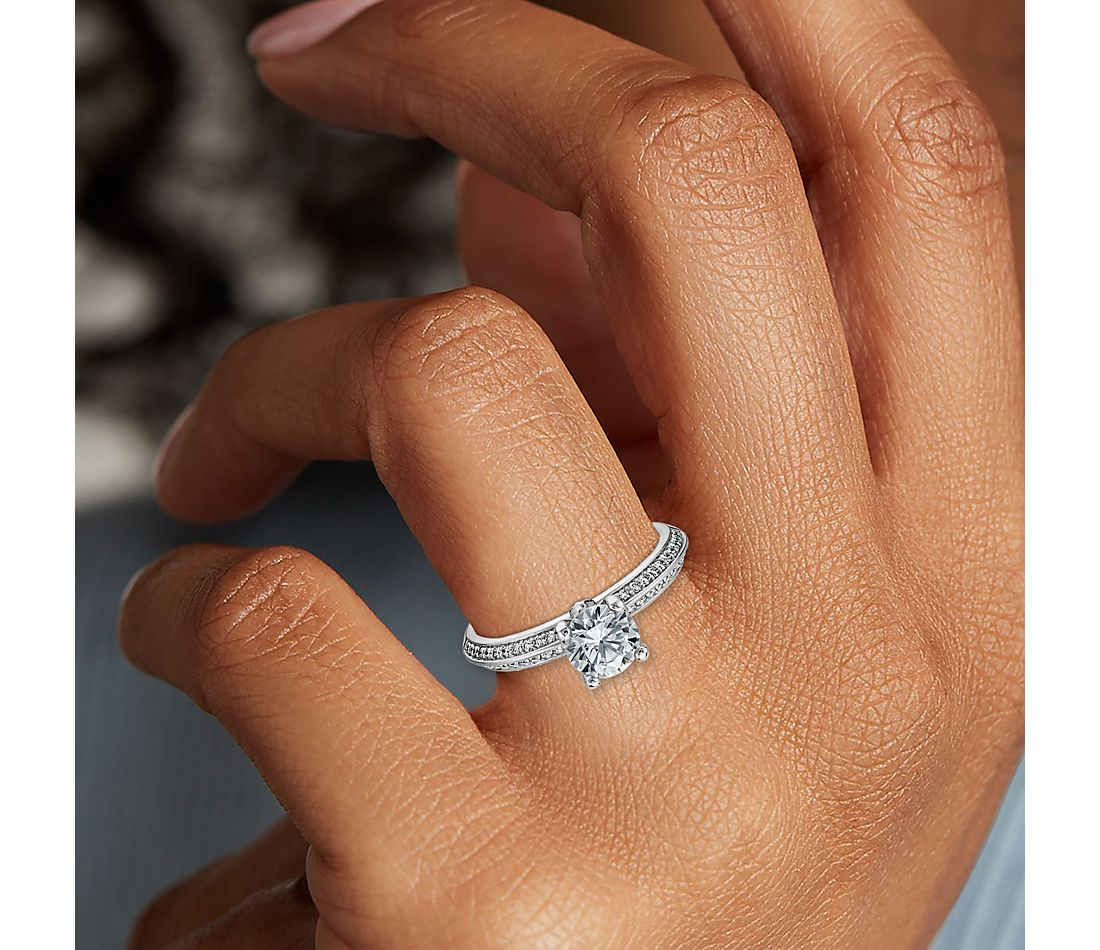 Monique Lhuillier Knife-Edge Petal Pave Diamond Engagement Ring in Platinum