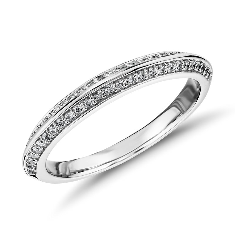 Monique Lhuillier Knife Edge Petal Diamond Ring in Platinum (1/4