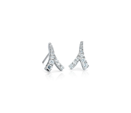 Aretes de diamantes Laurel de Monique Lhuillier en oro blanco de 18 k