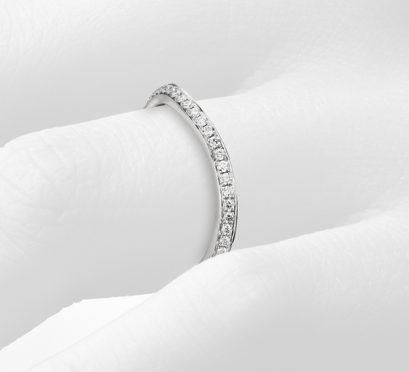 鉑金 Monique Lhuillier 曲線密釘鑽石戒指( 1/8 克拉總重量)
